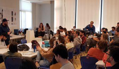 Rodrigo Salinas compartió su experiencia de éxito con alumnos del Magíster en Innovación y Diseño
