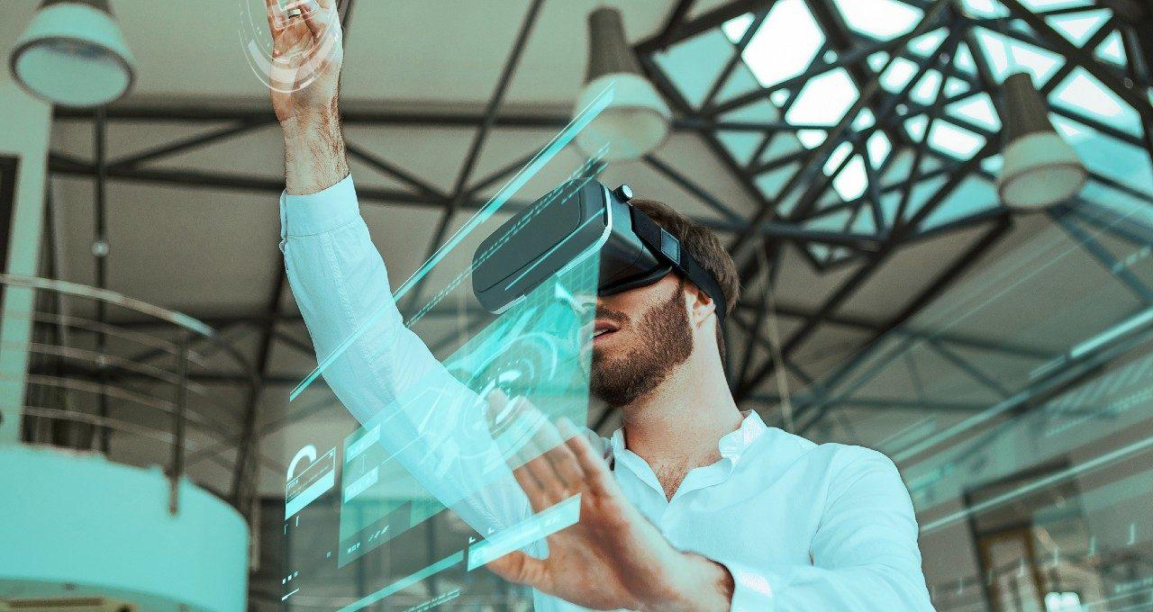Tecnologías digitales e inmersivas, interfaces e interactividad